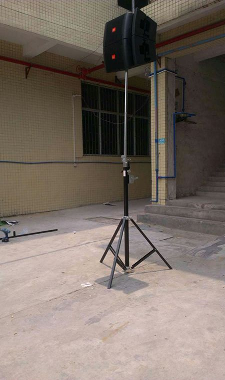 speaker stand with T bar